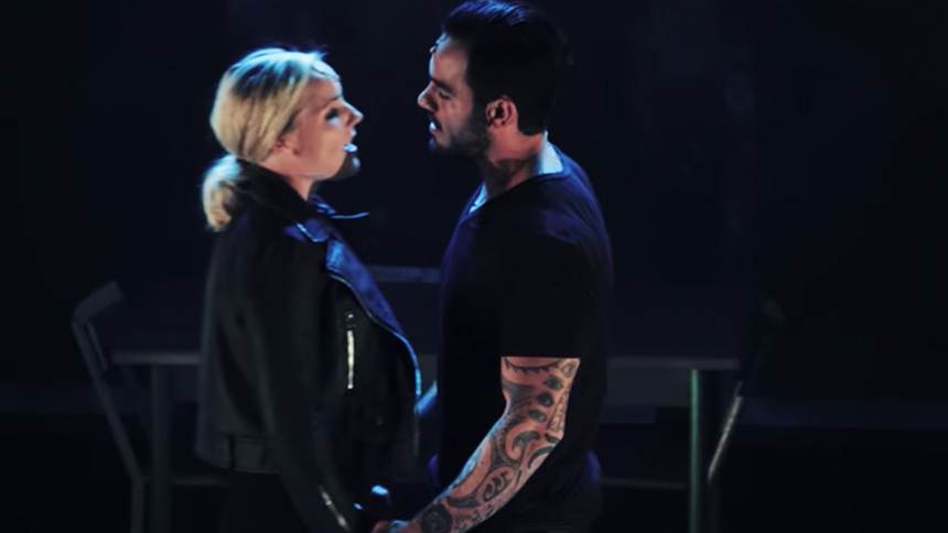 Hot Clip of the Day: Ramin Karimloo & Kerry Ellis Perform...