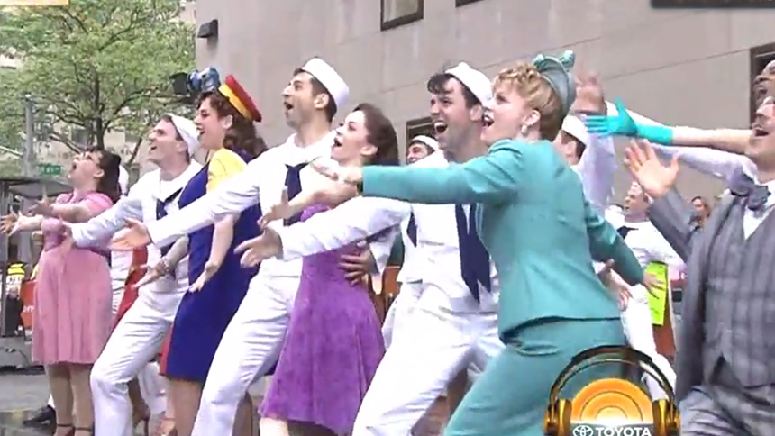 12 Random Thoughts We Had While Watching On the Town's Fa...
