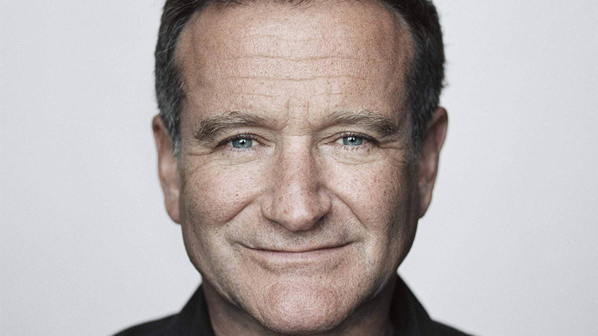 In Tribute: Robin Williams' Most Musical Moments From Fil...