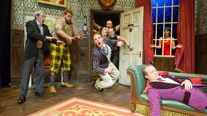 The Play That Goes Wrong Stars Recall The Funniest Things...
