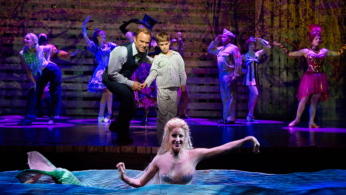 Big fish discount tickets broadway save up to 50 off for Big fish cast