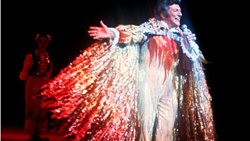 liberace  sc 1 st  Broadway Box & 10 Real-Life Liberace Outfits That Must Make It Into the Broadway ...
