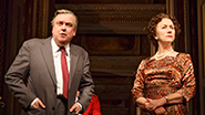 Richard McCabe as Harold Wilson & Helen Mirren as Elizabeth II in 'The Audience'